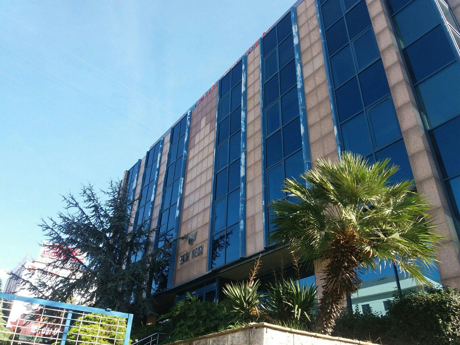 بناء كامل للبيع في اسينيورت